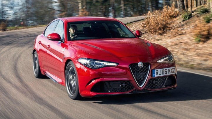 Alfa Romeo выпустит суперкупе с генами гиперкара LaFerrari