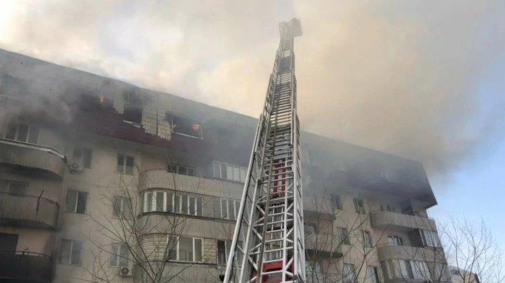 Больше 300 человек эвакуировали из горящей пятиэтажки в Алма-Ате