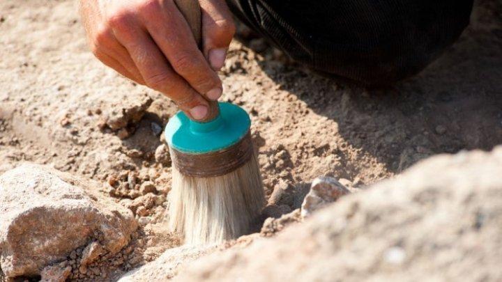 """На раскопках в Италии нашли первого в мире """"киборга"""" с ножом вместо руки"""