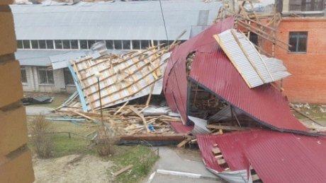 Во время урагана в Тюменской области пострадали более 170 человек