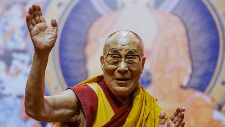 Далай-лама предсказал мирную жизнь на планете через 20 лет