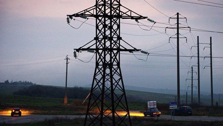 Более 100 тысяч человек остались без электричества из-за непогоды в Канаде