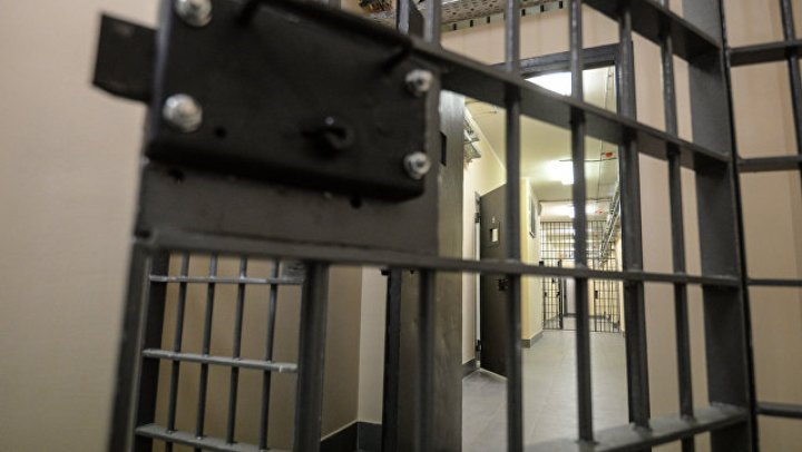 Футболист ЦСКА выкупил из тюрьмы 40 заключенных