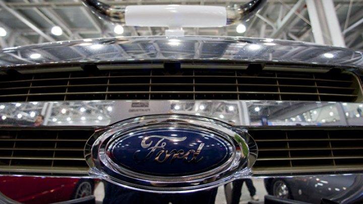 Компания Ford запатентовала автомобиль со встроенным мотоциклом