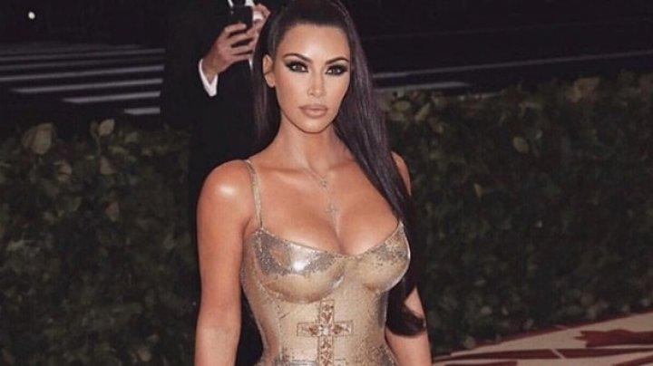 Ким Кардашьян показала, как выглядит без макияжа