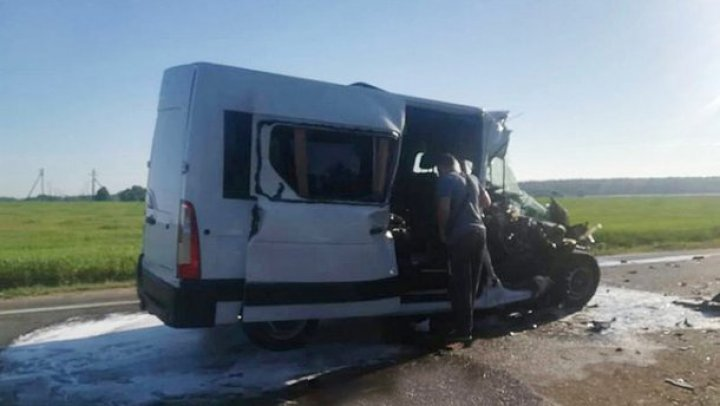 Детская футбольная команда из Украины попала в аварию в Беларуси, погиб ребёнок (фото)