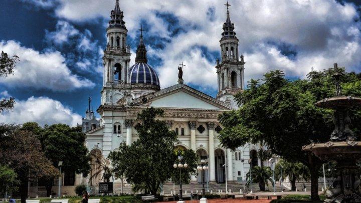 В Аргентине священника приговорили к 25 годам за насилие над детьми
