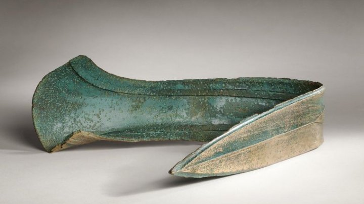 Британский фермер использовал кинжал бронзового века как подпорку для двери