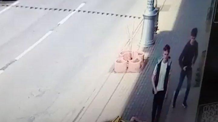 В Иркутске мать узнала сына-подростка на видео с грабежом и сдала его в полицию