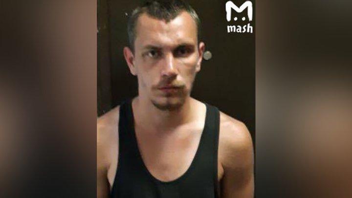 Мужчина с шилом напал на 70-летнюю женщину в Москве: видео (18+)