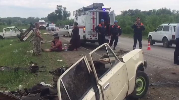 Полиция опубликовала видео с места ДТП в Ростовской области, где погибло пять человек