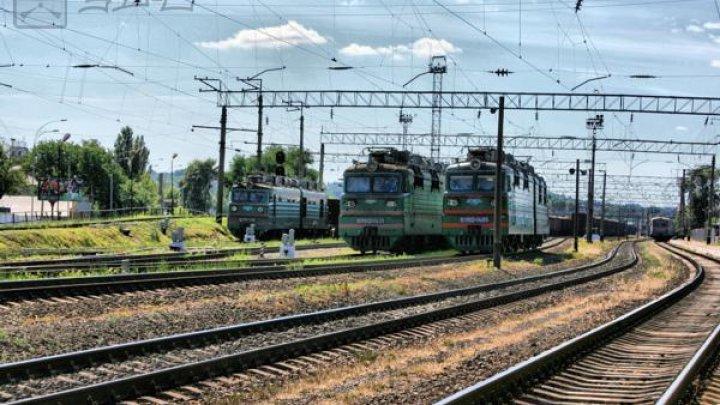 В Киеве на железнодорожной станции на крыше вагона нашли тело мужчины