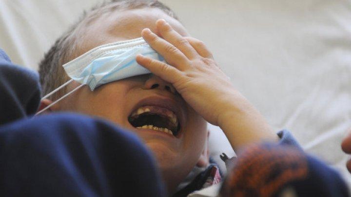 Петарда застряла в глазу у 10-летнего школьника из Екатеринбурга