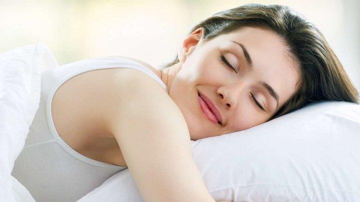 Ученые: продолжительность сна по-разному влияет на мужчин и женщин