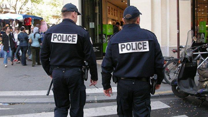 СМИ сообщили, что парижский захватчик требует связать его с Посольством Ирана