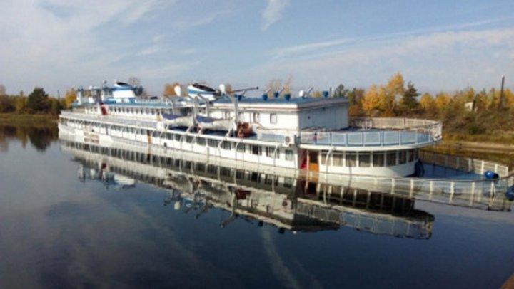 Шесть человек госпитализированы после ЧП с теплоходом в Якутии