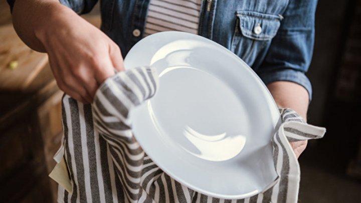 Ученые рассказали об опасности кухонных полотенец