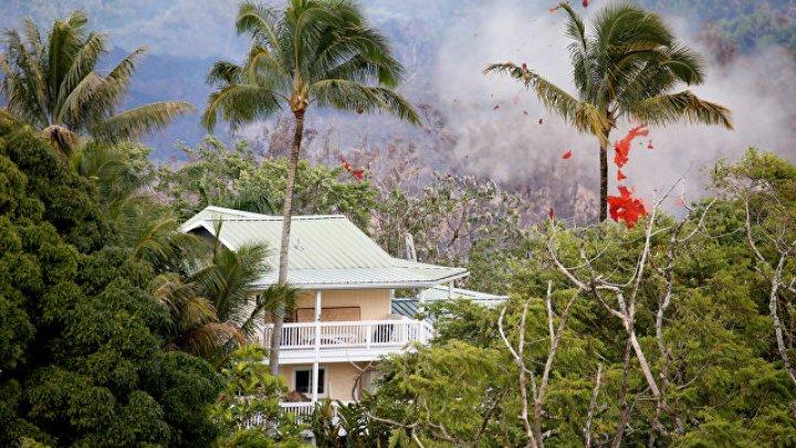 На Гавайях из-за извержения вулкана разрушены почти 90 домов