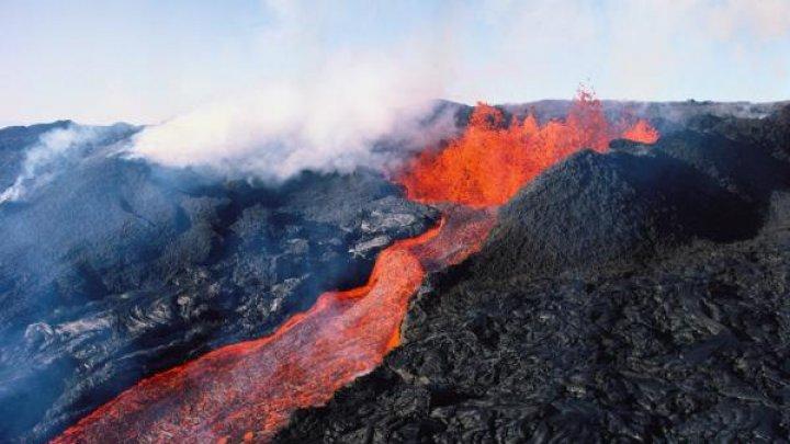 Лава на Гавайях уничтожила около 700 домов