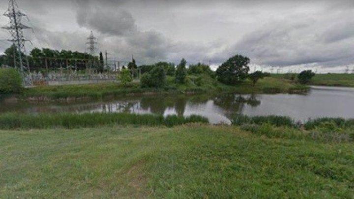 В Харькове в водоеме нашли тело молодой женщины
