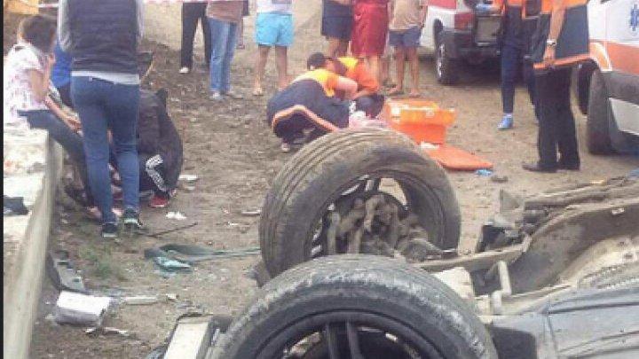 На Буюканах перевернулся автомобиль с пассажирами: четыре человека пострадали (фото)