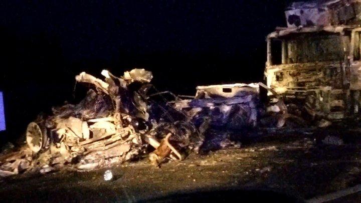 Появилось видео с места страшной аварии под Тюменью