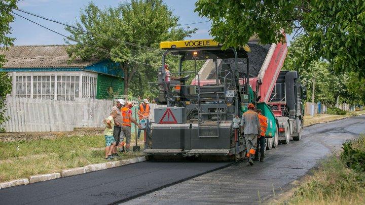 В столице приостановили ремонт дорог