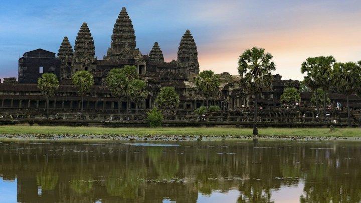 Жена принца Камбоджи погибла в результате ДТП