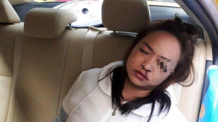 Девушка решила накраситься в такси, но в итоге её затея обернулась кошмаром