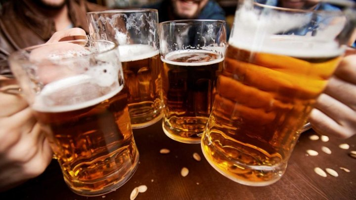 Названа допустимая доза алкоголя в месяц