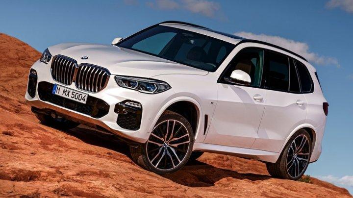 В Сети появились первые фотографии нового BMW X5 без камуфляжа