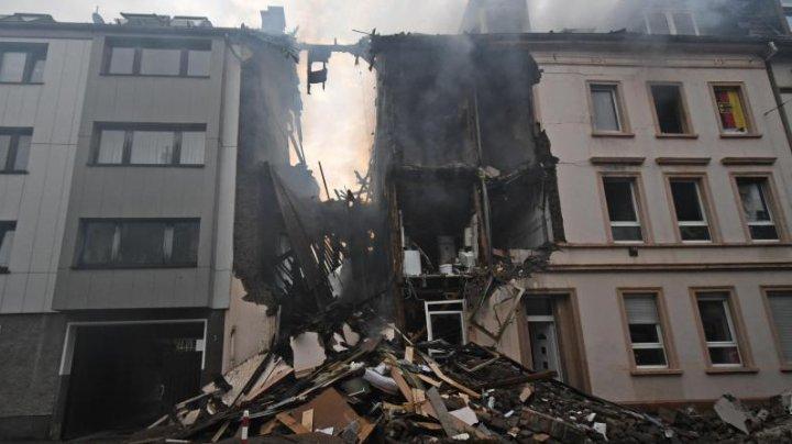 Видео с места взрыва и обрушения жилого дома в Германии