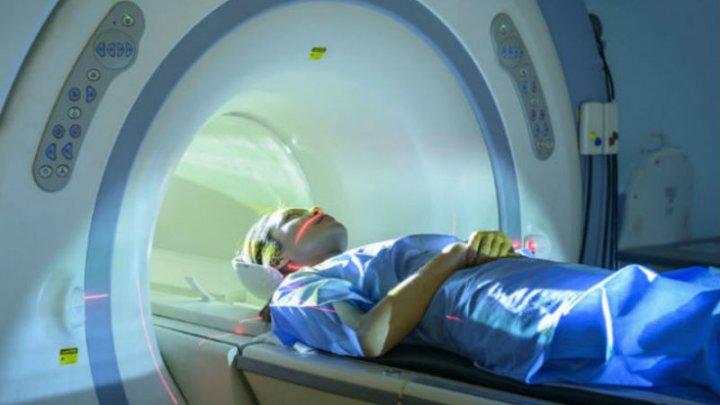 Ученые рассказали об опасности МРТ для людей с пломбами в зубах