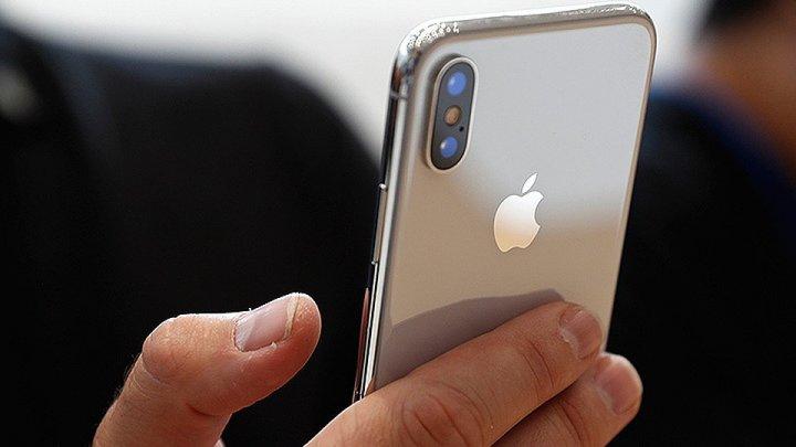 Глава Apple пожаловался на зависимость от iPhone