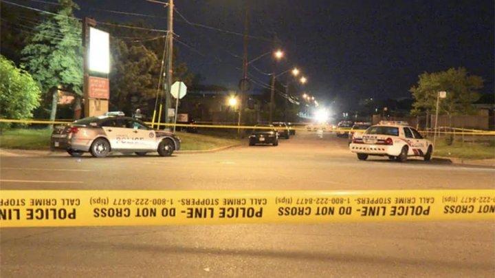 Два ребенка пострадали во время стрельбы на детской площадке в Торонто