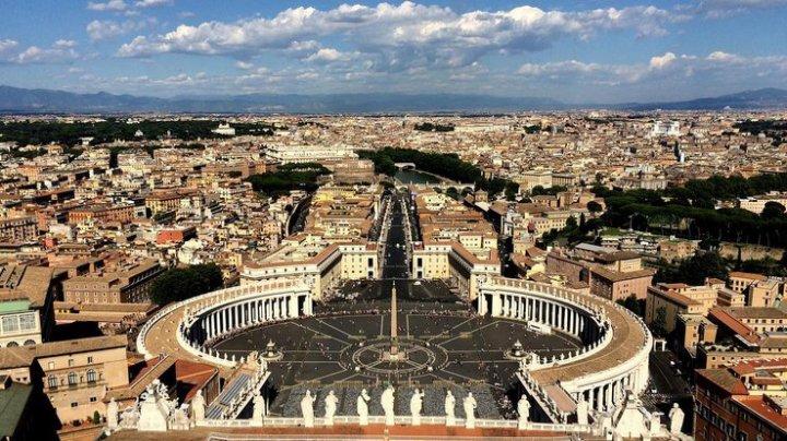 Ватиканского дипломата приговорили к пяти годам тюрьмы за детскую порнографию