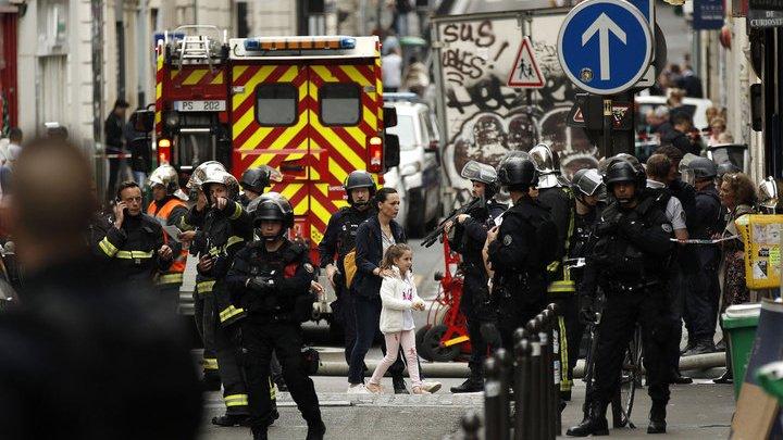 Один из заложников в Париже тяжело ранен в голову