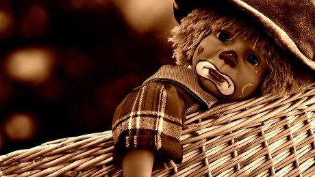 Очевидцы сняли одержимую куклу-клоуна, которая двигалась сама по себе