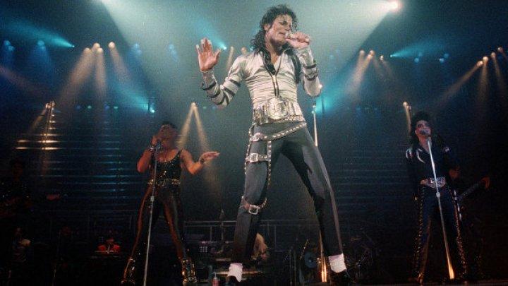 Врач Майкла Джексона: отец его кастрировал ради высокого голоса