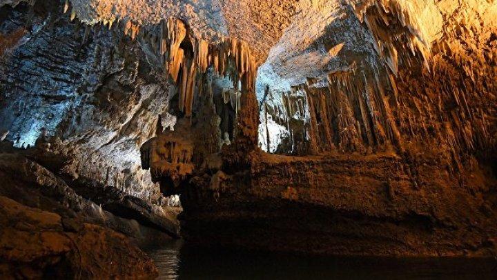 Из затопленной пещеры в Таиланде вывели последнего ребенка