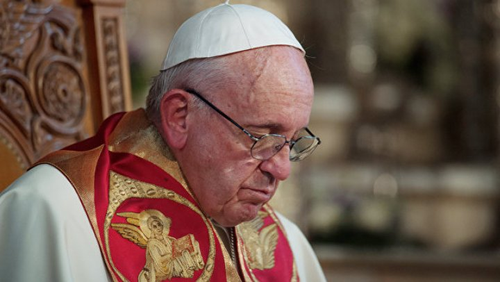 Папа римский отстранил экс-архиепископа Вашингтона от сана за педофилию