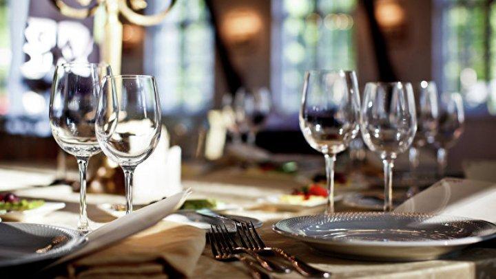 В таллиннском ресторане 33 человека заразились сальмонеллёзом