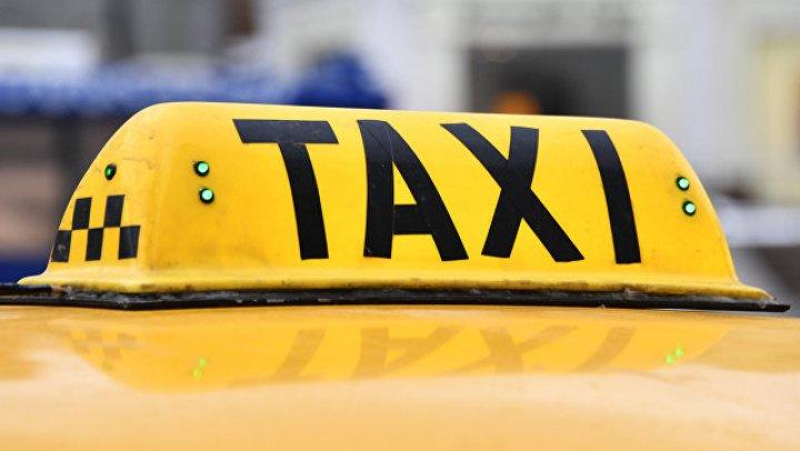 В Якутии четверо пассажиров избили камнями таксиста, чтобы не платить за проезд (видео)
