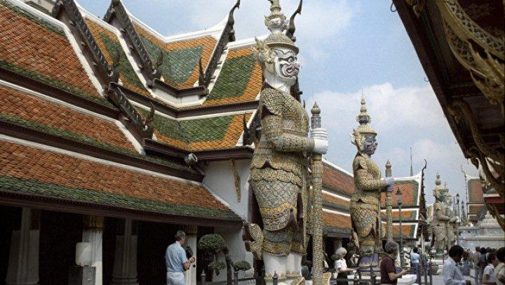 """В Таиланде монаха подозревают в убийстве девушки при изгнании """"злых духов"""""""