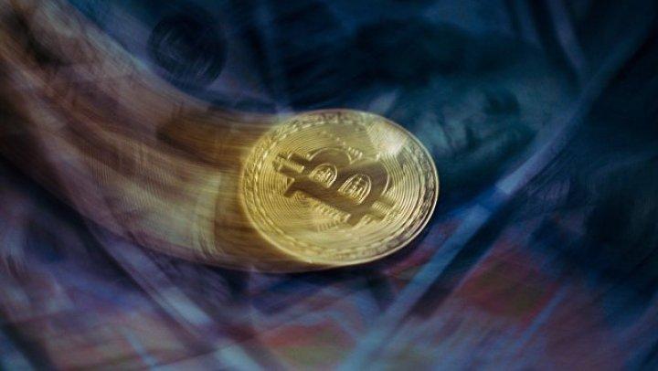 Стоимость биткоина держится выше отметки в шесть тысяч долларов
