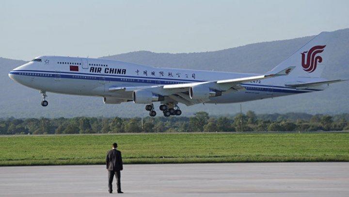 Закурившего во время рейса пилота уволили в Китае