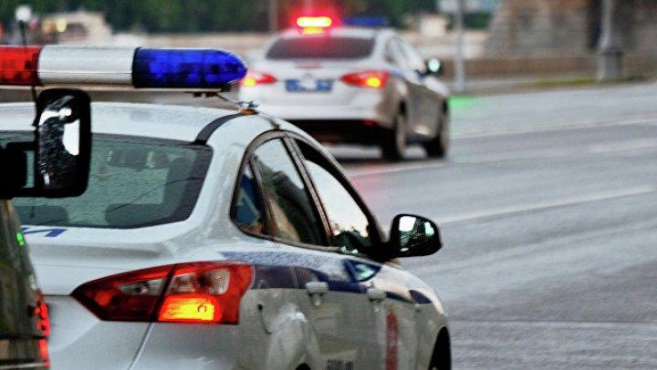 Полиция разыскивает подростка после нападения на полицейского в Москве