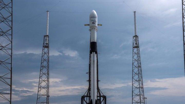 SpaceX запустила ракету Falcon 9 с коммуникационным спутником