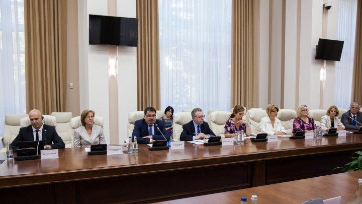 Обращение премьер-министра Павла Филипа к послам ЕС