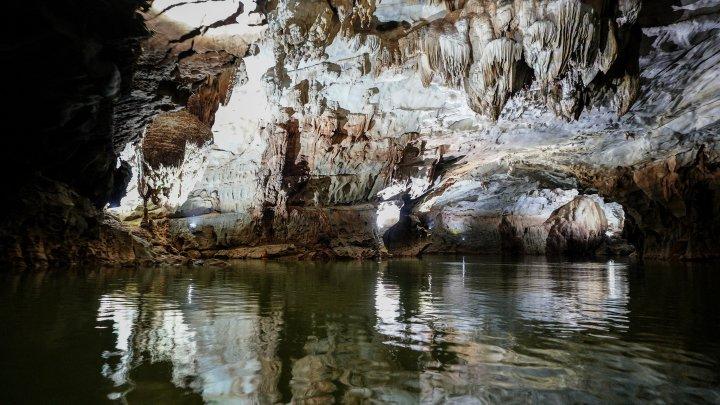 Появилось видео со спасенными из тайской пещеры детьми